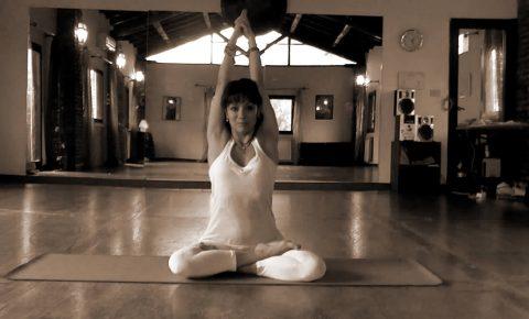 Studio Applicato delle Asana Secondo lo Spanda Yoga