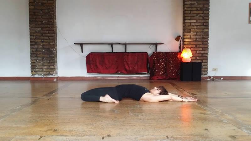 Supta Virasana Silvia Mileto Spanda Yoga Roma