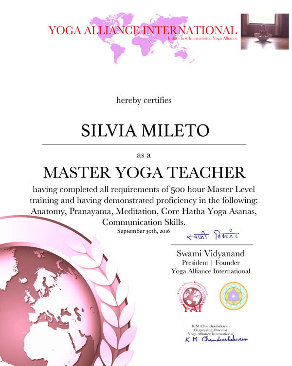Silvia Mileto Scuola Yoga Roma Certificato YAY International