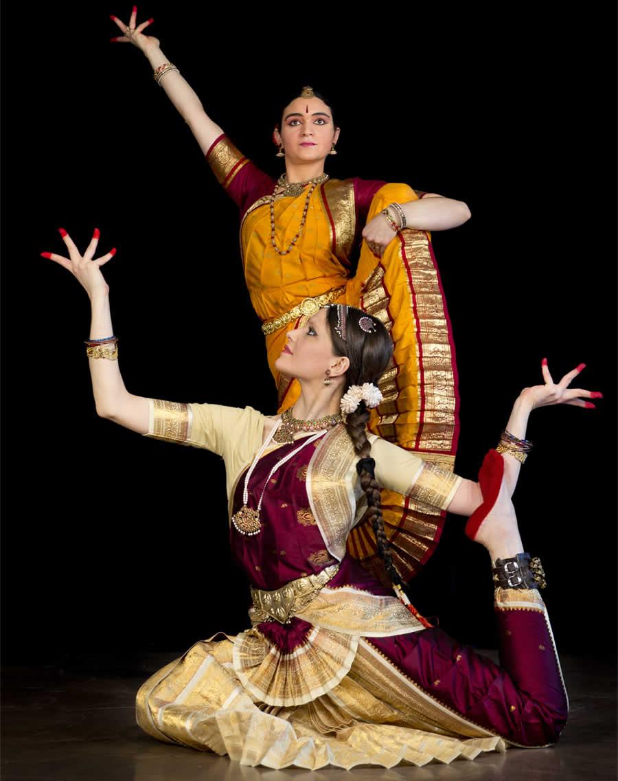 La Danza della Coscienza - Il Viggio Vibrante tra Lasya e Tandava